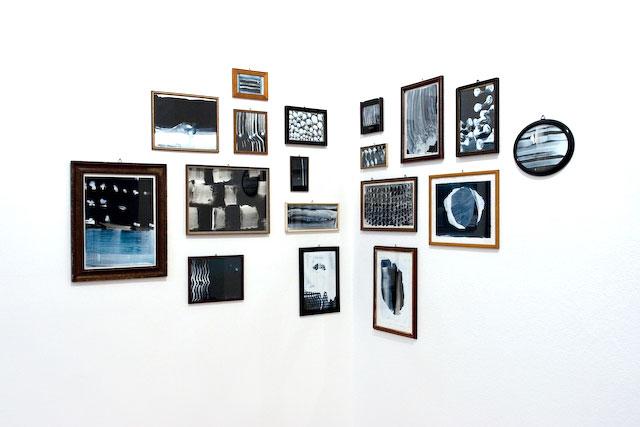 Galerie Erhard Witzel Wiesbaden, schwarz-weiß, Installation Bilder, Birgit Luxenburger